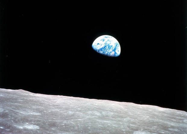 original-earthrise.jpg