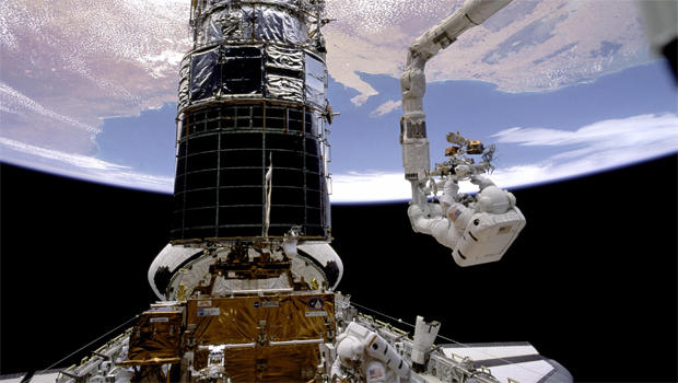 hubble-servicing-mission-nasa-620.jpg
