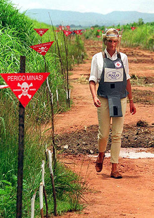 ANGOLA-DIANA IN MINEFIELD