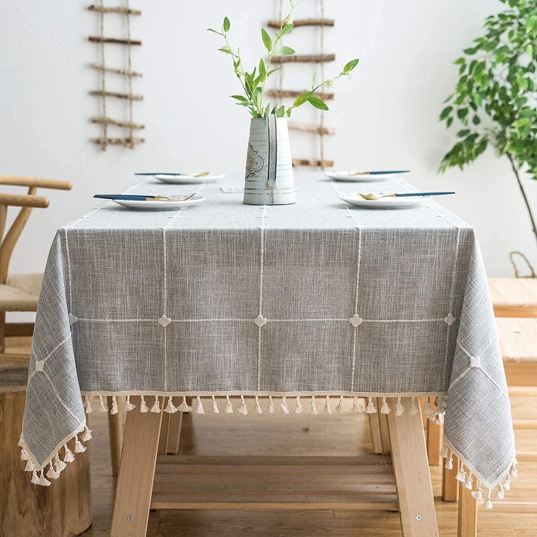 lipo-rustic-tablecloth.jpg