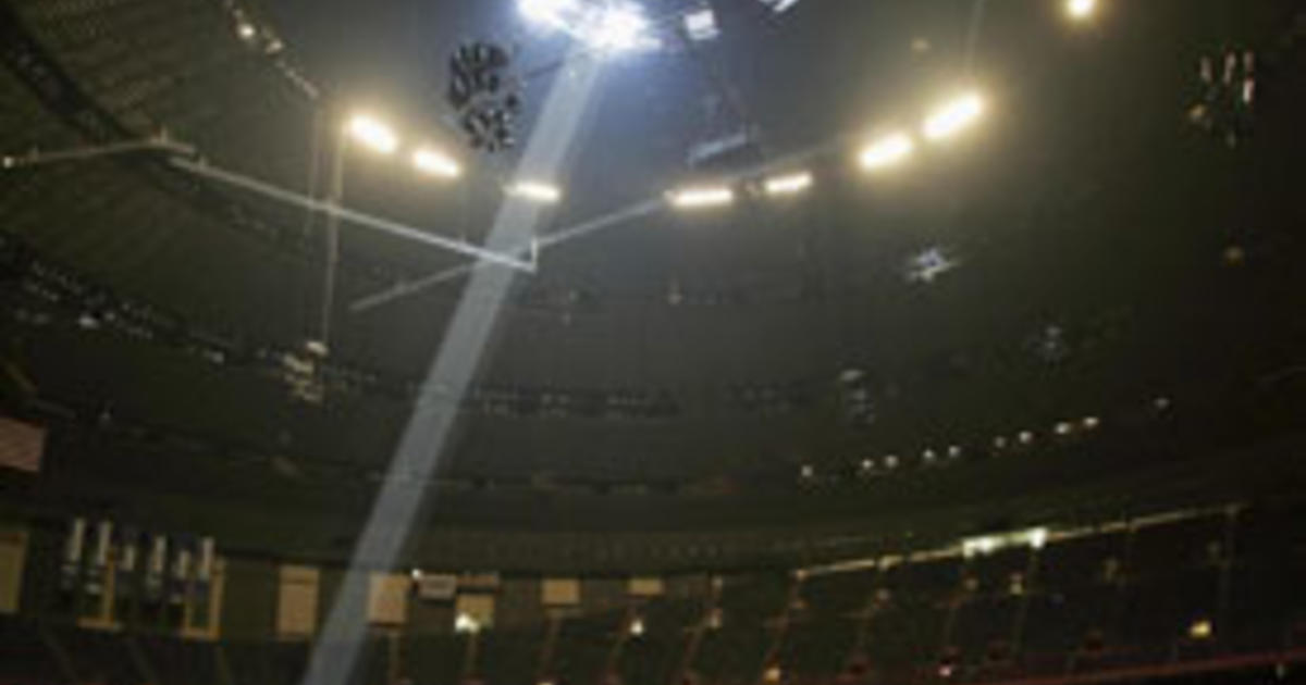 Hurricane Katrina Superdome - Photo 8 - Pictures - CBS News