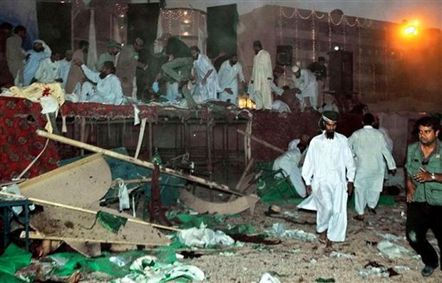 essay on bomb blast in india Free essays on terrorism and bomb blast an essay on terrorism communal harmony and the internal security of india are interlinked.