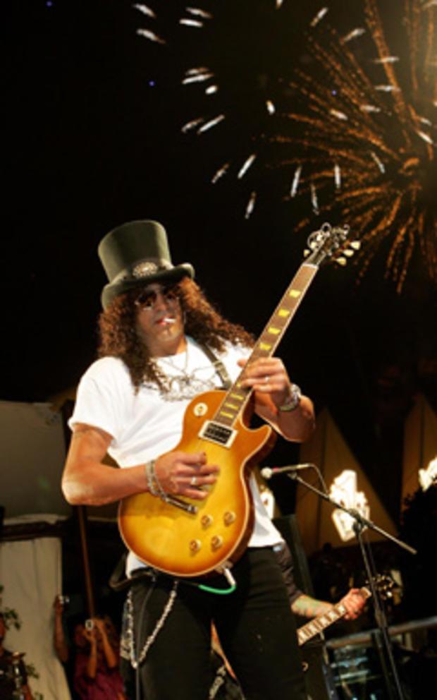 8b11f2d2d9f51 Why Does Slash Always Wear a Top Hat  - CBS News