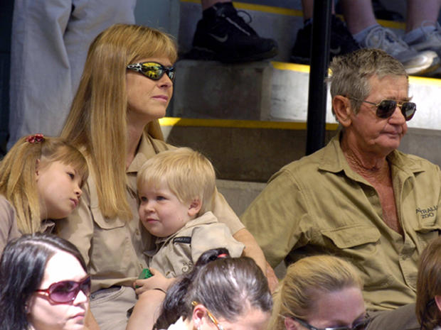farewell to steve irwin photo 1 pictures cbs news