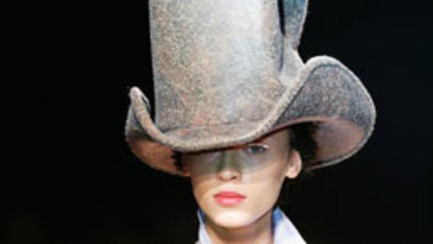 9bd8f251a2a4f https   www.cbsnews.com pictures paris-fashion-week-28-2-07  https ...