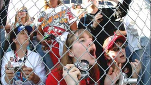 NASCAR fans, Phoenix International Raceway