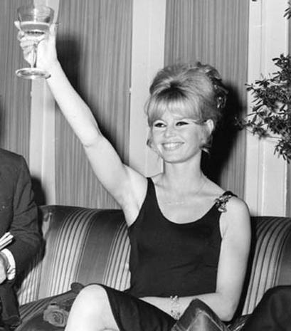 Return Of  The '60s Sexpot