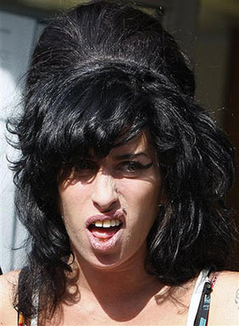 Amy Winehouse: 1983-2011