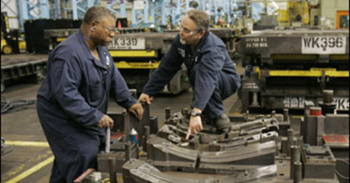GM plant closings, layoffs indicate a cooling U S  economy