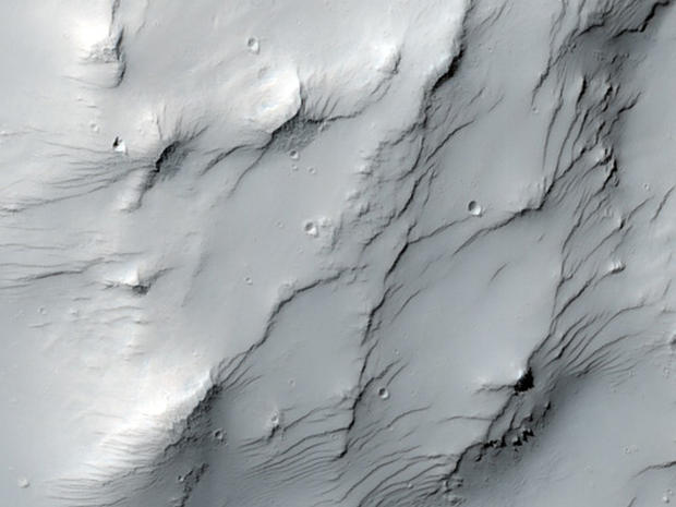 Latest shots from the Mars Reconnaissance Orbiter