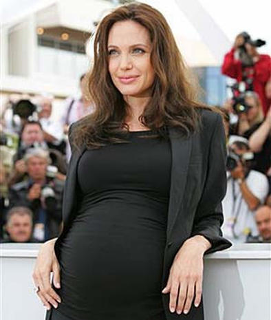 Angelina jolie pregnant bikini, hit his ass