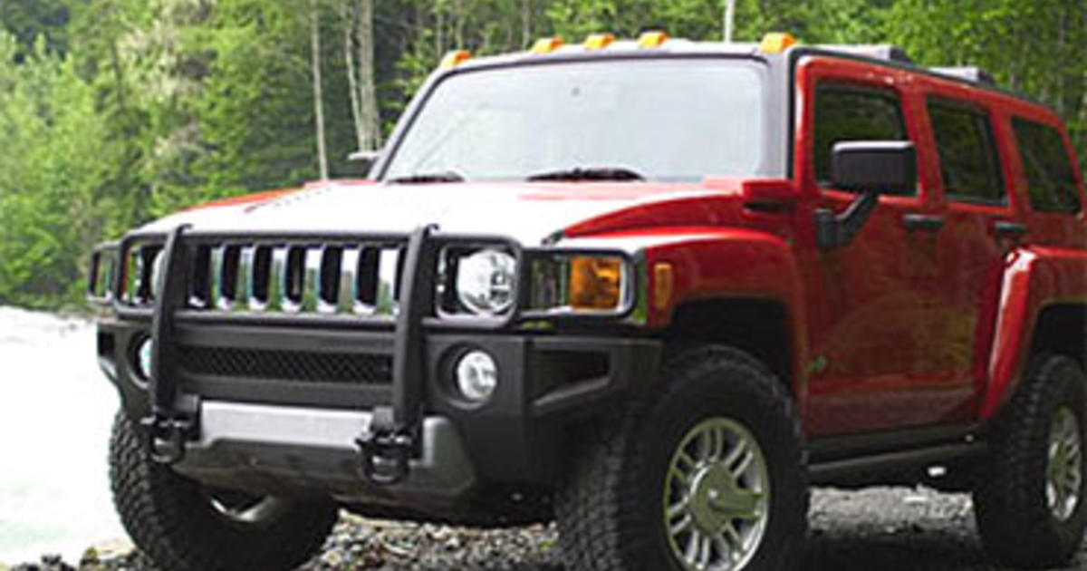 gm recalls 198k hummer h3s to fix hood problem cbs news. Black Bedroom Furniture Sets. Home Design Ideas