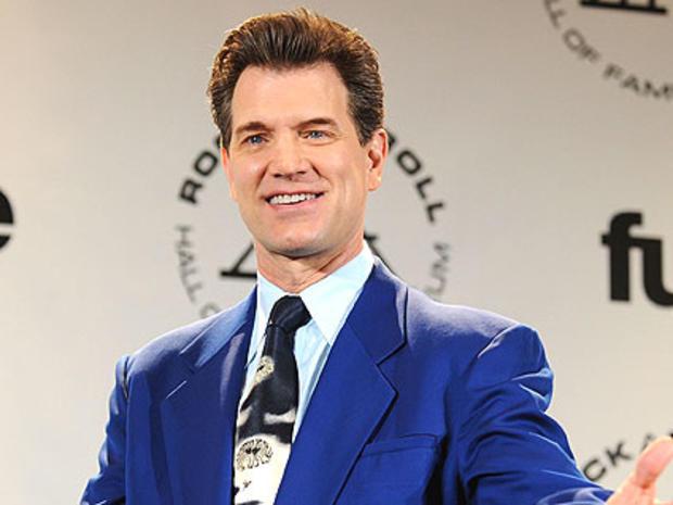 Chris Isaak May Replace Simon Cowell as â??American Idolâ?? Judge