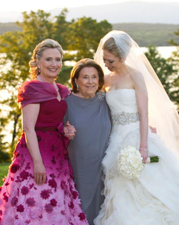 New Chelsea Clinton Wedding Photo Shows Bride with Mother ...