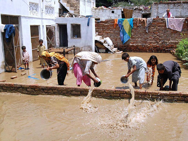 Pakistan's Child Flood Victims