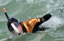 Philippe Croizon: Quadruple Amputee Swims English Channel