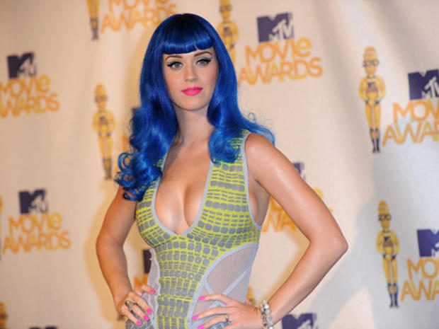 katy_512_blue_hair101675526.jpg