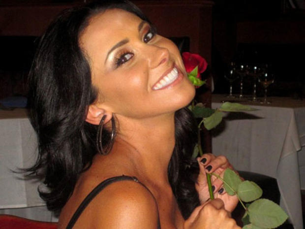 """Brett Favre Scandal: Jenn Sterger Wasn't Only Recipient of """"Nasty"""" Texts, Reports Deadspin"""