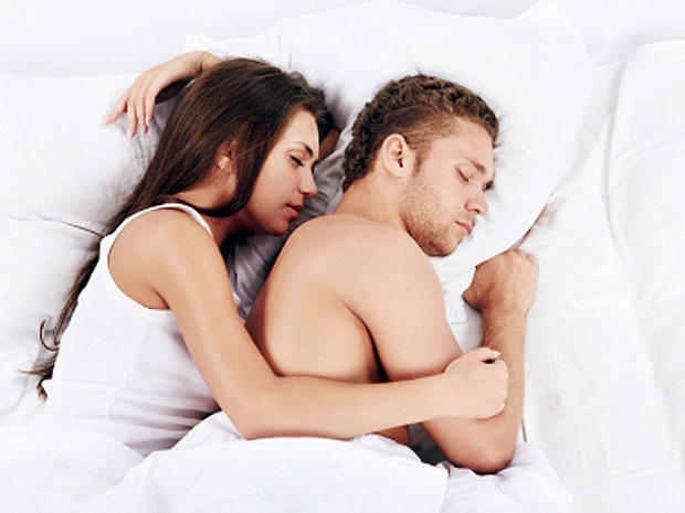 couple_snuggle_000013924528XSmall_1.jpg