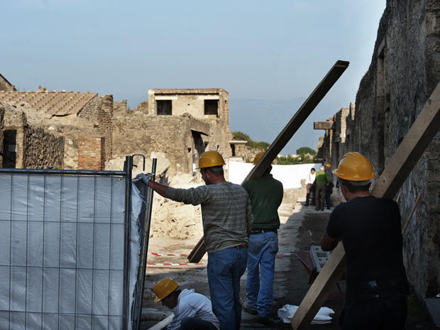 Pompeii Suffers an Archeological Disaster