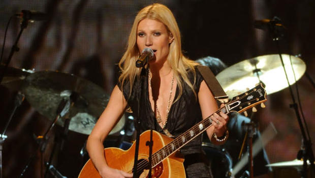 "Gwyneth Paltrow ""Country Strong"" Performance: What Did You ...