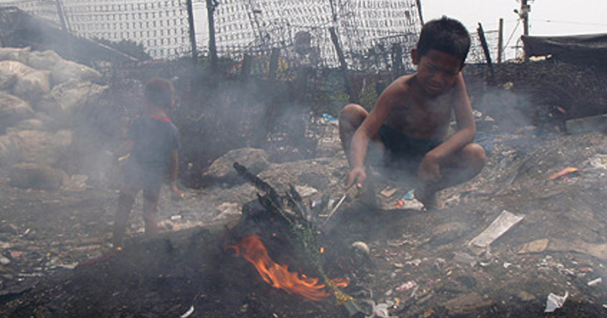 philippines child trash pickers photo  pictures cbs news