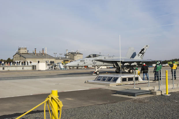 With test launch, U.S. Navy goes electromagnetic