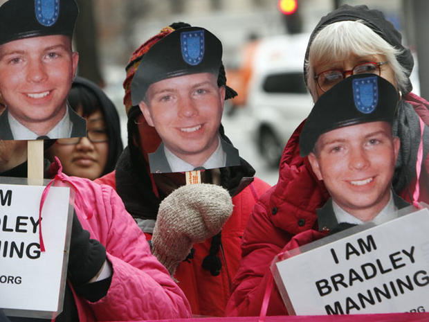 Bradley Manning supporters demonstrate