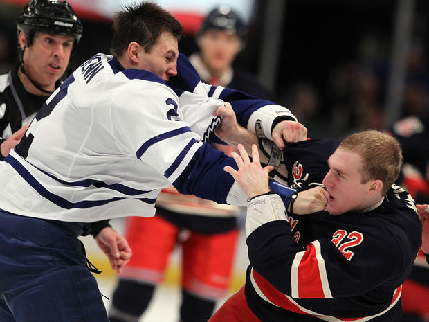 sports_nhl_fights_108180716.jpg