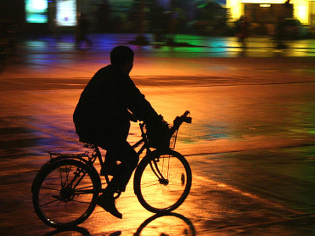 Avoid biking at night - Bicycle safety: 11 death-defying