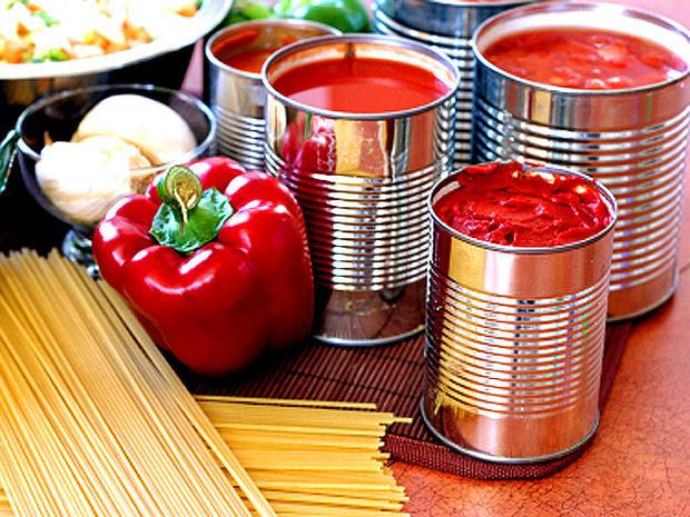 tomato_can_iStock_000001528.jpg