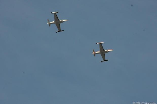 Chase_planes_overhead.jpg