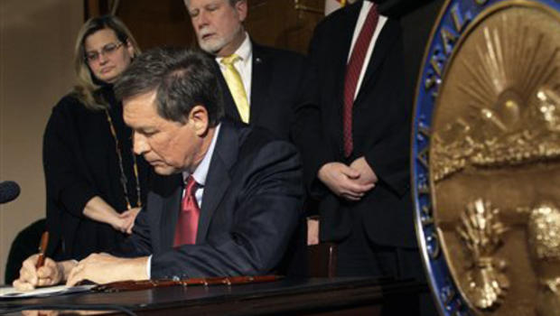arguments in favour of and against ohio senate bill 5 The columbus dispatch reported yesterday that senate bill 5 will likely be voted on today by both the house and senate this seems the perfect time to recap - especially with the impending ballot issue, to be accompanied by a melodramatic, highly organized leftist smear campaign.