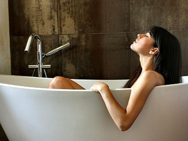 bath_iStock_000006829841XSm.jpg