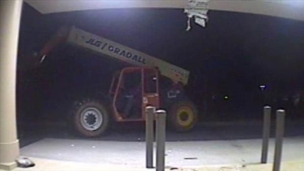 Stolen forklift used to steal ATM in S.C. (VIDEO)