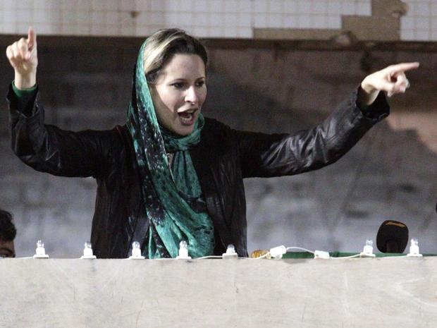 Aisha Qaddafi addresses supporters in Tripoli