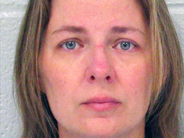 High school secretary Kristen Hammonds had sex with students, say Ga. police