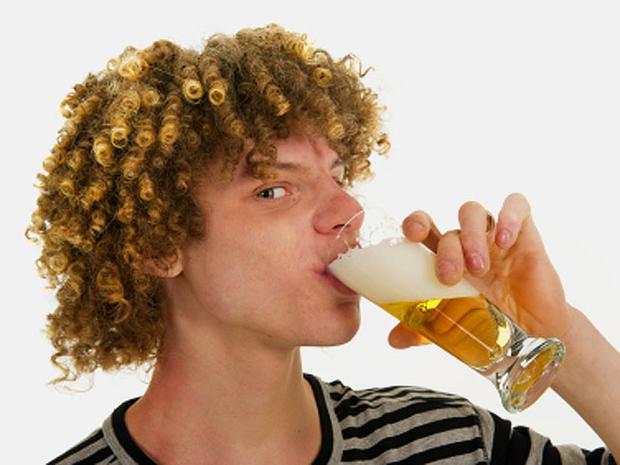 teen drink, drunk, beer, drink, teenager, stock, 4x3