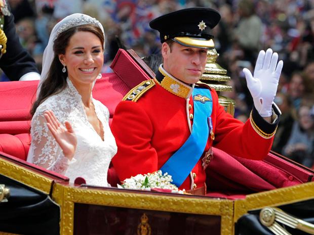 royalwedding_royal_couple_coach_AP110429121657.jpg