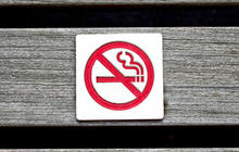 N.Y. to expand smoking ban to parks, beaches