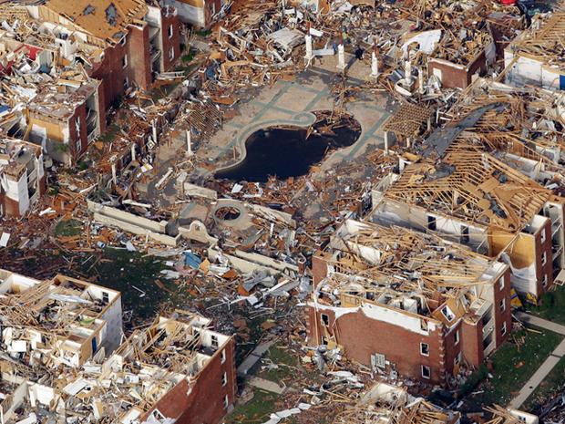 joplin_tornado_AP110524152417.jpg