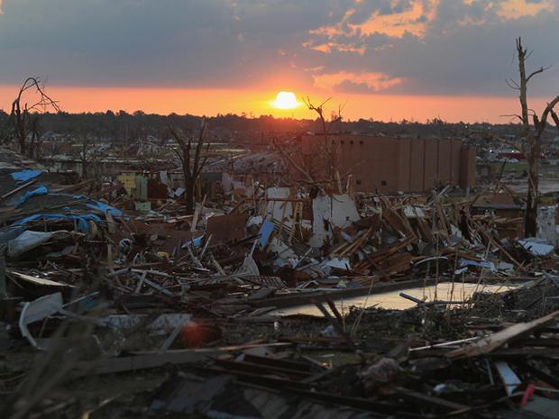 joplin_tornado_114572118.jpg