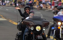 Palin rides into D.C. on motorcycle