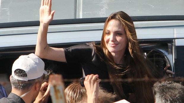 Angelina Jolie visits Syrian refugees