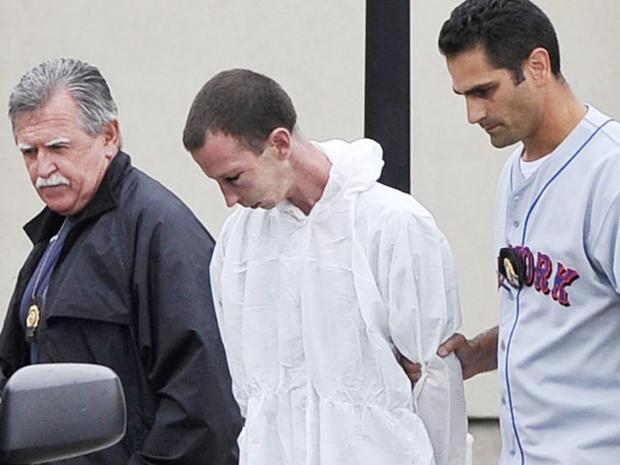 Husband, wife arrested in NY pharmacy murders - Photo 10