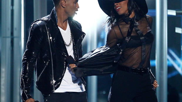 Trey songz and kelly rowland at the bet awards cbs news gumiabroncs Choice Image