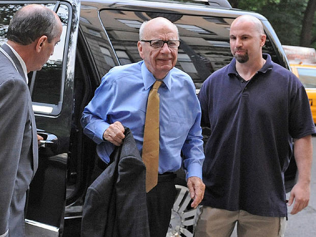 News Corporation head Rupert Murdoch arrives at his Fifth Avenue residence, Wednesday, July 20, 2011, in New York.