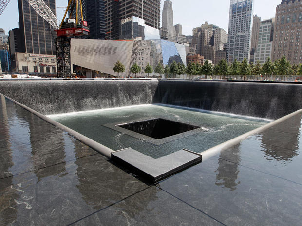 visiting ground zero lower manhattan photo 1. Black Bedroom Furniture Sets. Home Design Ideas