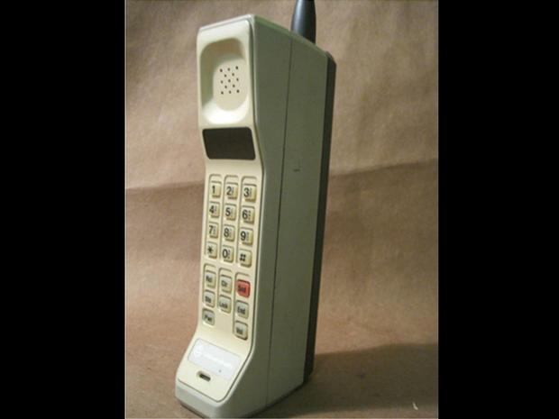 motorola 8000x. motorola dynatac 8000x - 1983 the evolution of telephones pictures cbs news 8000x