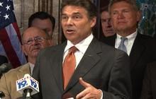 Perry dodges question about Obama's birth certificate